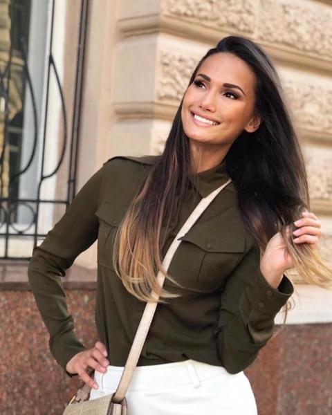 Елена Мошнина