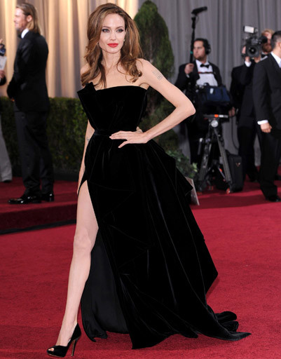 Абсолютный рекордсмен списка - Анджелина Джоли и ее нога в 2012 году