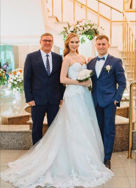 Яна с папой и мужем