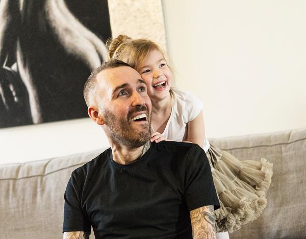 Вдова футболиста Фернандо Риксена: «Дочь называет папой плюшевого зайца»