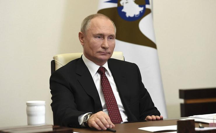 Президент выходит на связь из своей резиденции