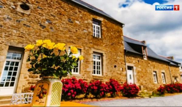 Семья диктора купила старинный замок во Франции