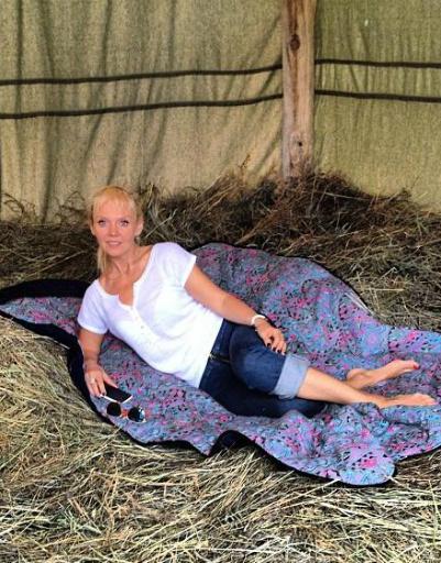 Барышня-крестьянка на сеновале
