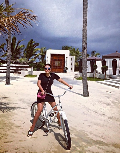 Ирина любит кататься на велосипеде