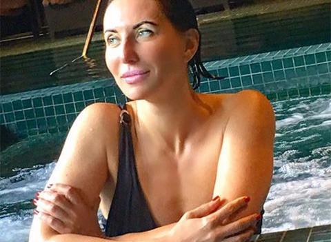 49-летняя Алика Смехова смело позирует в бикини