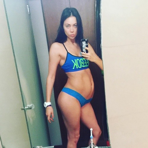 Селфи якобы беременной Настасьи Самбурской