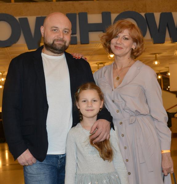 Хорошилов и Бирюкова с дочерью Аглаей