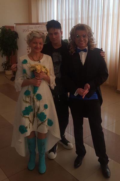 12 апреля пара сыграла свадьбу