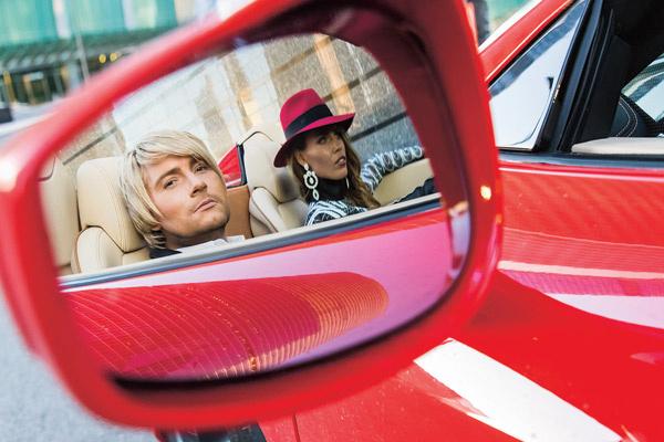 В клипе Басков разъезжает на Ferrari, а в жизни - на Rolls-Royce с персональным водителем