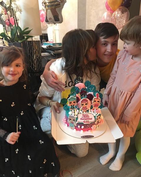 Алиса отметила день рождения младшей дочери в узком кругу