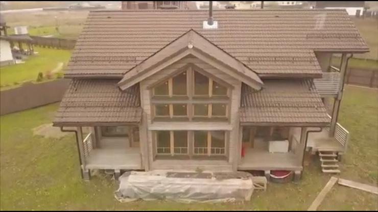 Фигуристы Алексей Тихонов и Мария Петрова показали свой новый огромный дом