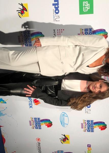Вместе с младшей дочерью Микеллой певица выступила на «Детской Новой волне»