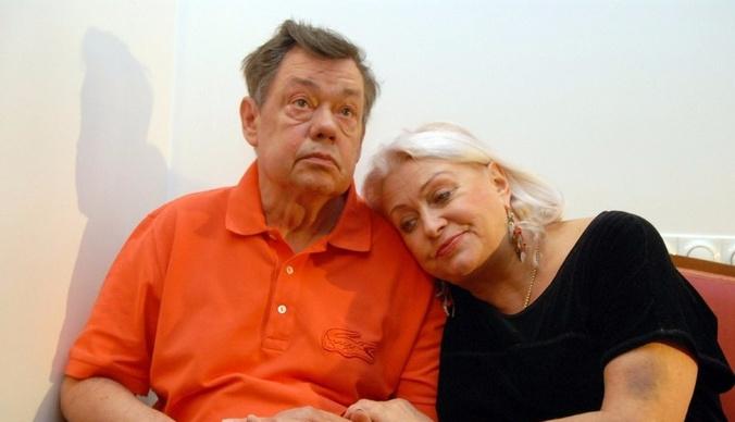 Жена Караченцова: «У Коли рак, мы будем бороться»