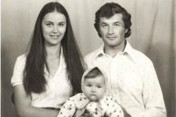 Оксана с родителями. Апрель 1978 года