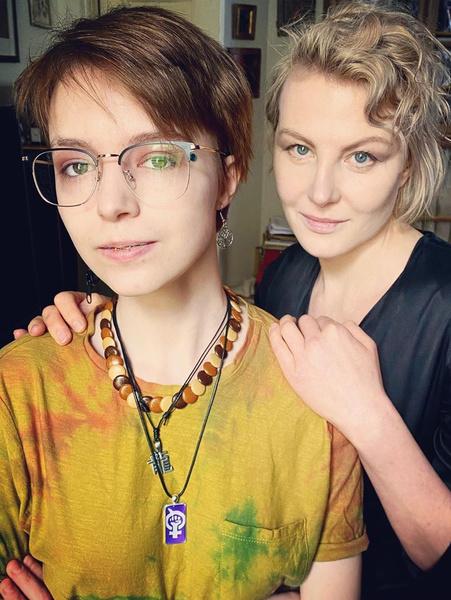 Рената Литвинова поддерживает крестницу