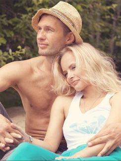 А еще месяц назад Евгений и Олеся присматривались к свадебным атрибутам