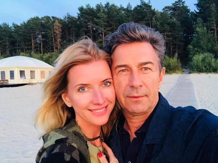 Певец с женой Виолой