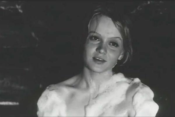 Сцена в бане из фильма «А зори здесь тихие»