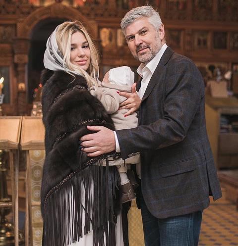 Олигарх Николай Саркисов крестил сына