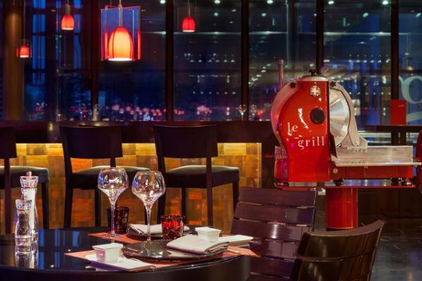 Стиль жизни: Рафаэль Фишер стал новым шеф-поваром легендарного ресторана Le Grill – фото №7