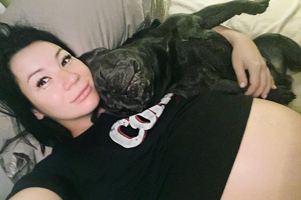 Галич показала живот на последнем месяце беременности