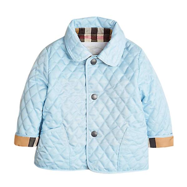 Модную курточку для Анатолия подарили друзья пары