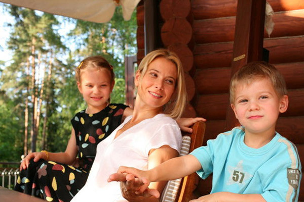 Актриса с дочерью Машей и сыном Петром