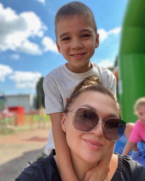 Актриса одна воспитывает сына