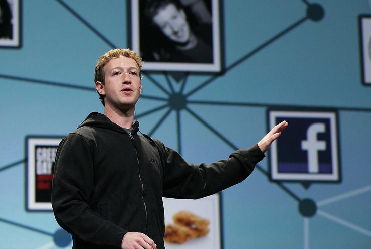 Творение Марка Цукерберга навело Дурова на мысль о создании российской соцсети