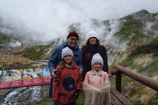 Илья Лагутенко редко делится семейными снимками с Анной и дочерьми