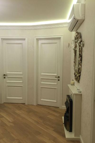 Ремонт в помещении выполнен в едином стиле