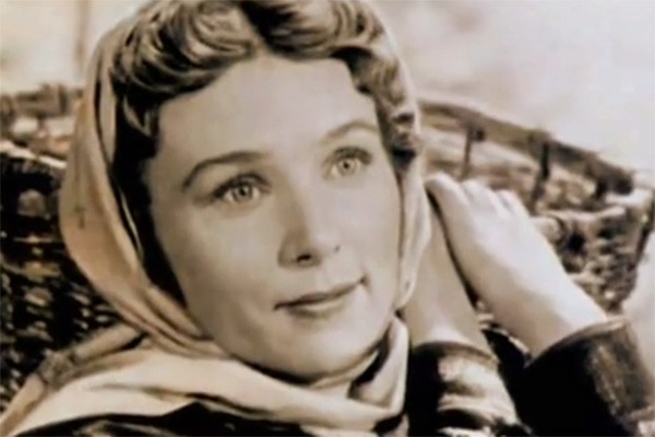 В юности Вера Васильева искренне считала себя некрасивой