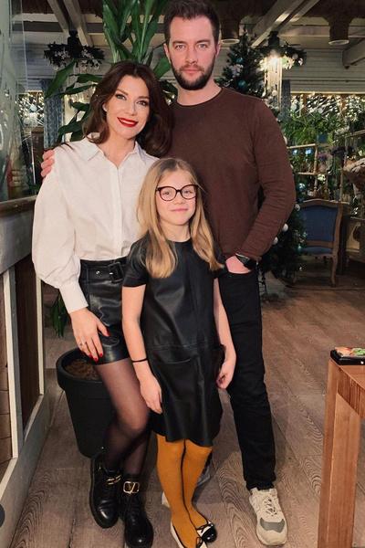 Екатерина с мужем и дочкой Лизой