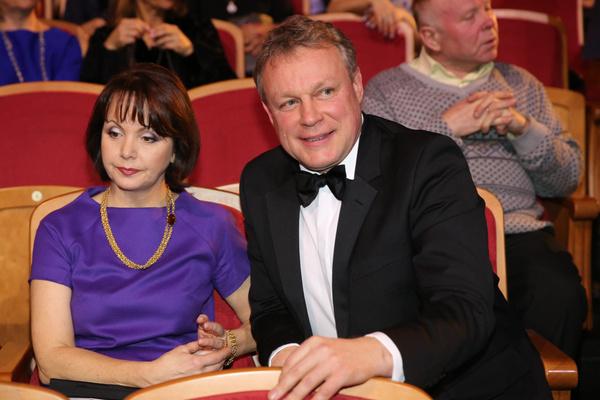 Жена актера Вера Новикова судится с ним за долю в квартире