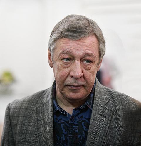 Михаила Ефремова выписали из больницы