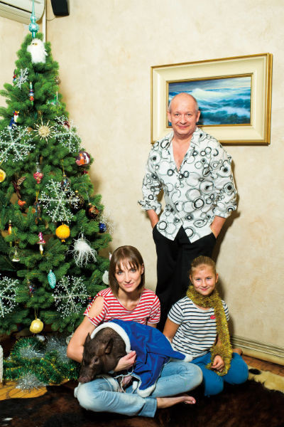 Дмитрий Марьянов с женой и дочерью