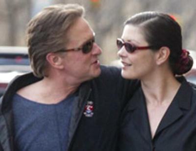 Майкл Дуглас и Кэтрин Зета-Джонс нашли способ реанимировать брак