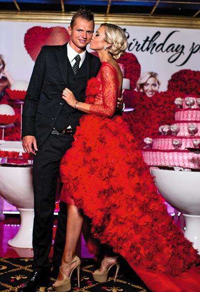 Певица прожила в браке с Дмитрием Тарасовым 6 лет