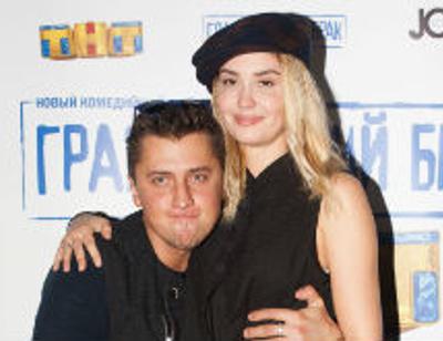 Павел Прилучный и Агата Муцениеце показали страсть на премьере