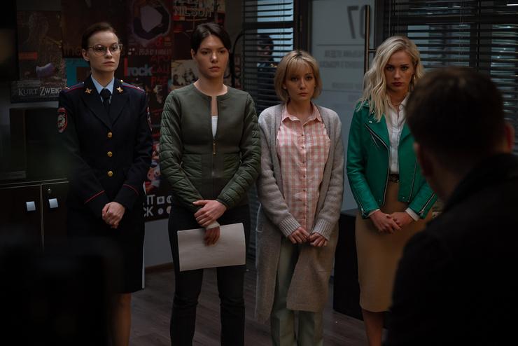 Те самые девушки, которые будут бороться за право работать на равных с коллегами-мужчинами.