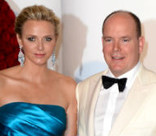 Княгиня Монако Шарлен покажет близнецов в январе
