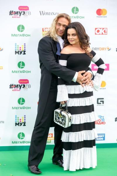Супруг гордится успехами Наташи Королевой