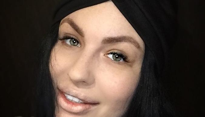 Онкобольная звезда «Дома-2» Елена Степунина закончила курс лучевой терапии