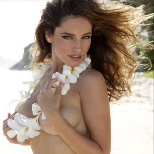 Келли Брук стала десятой в рейтинге самых сексуальных женщин