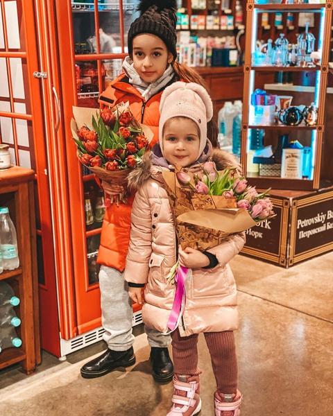 Ксения гордится достижениями дочерей
