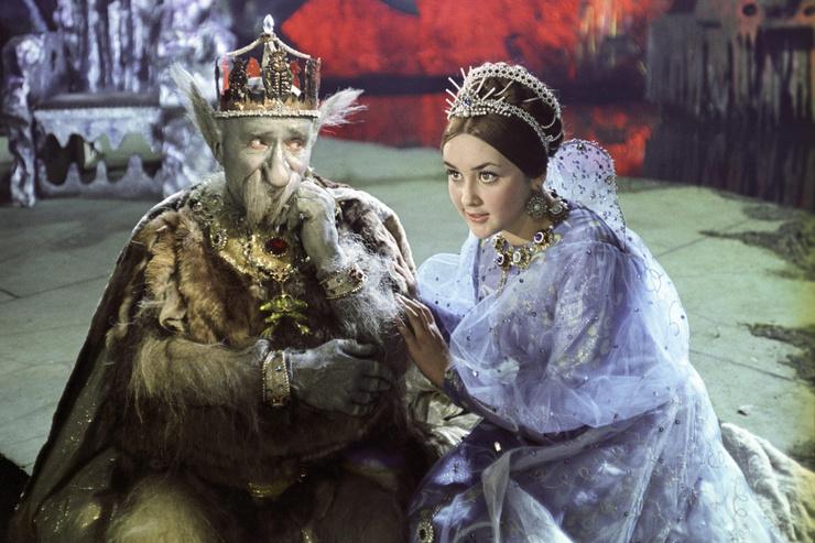 После премьеры фильма «Варвара краса, длинная коса» Клюеву назвали самой красивой киноцаревной