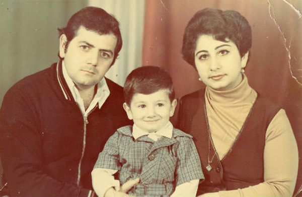 Михаил Галустян с родителями