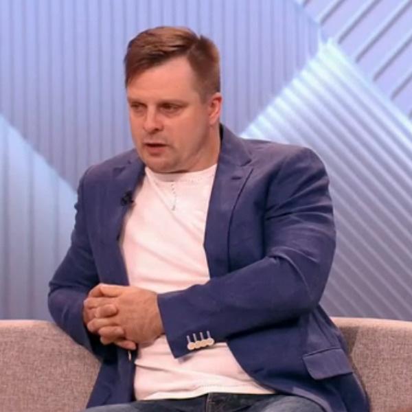Александр Носик считает, что не виноват перед супругой