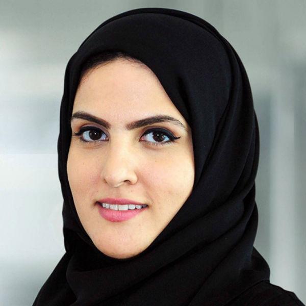 Фотография бизнесвуман из Дубая иллюстрировала статьи
