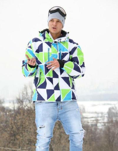 Вот и Антон Гусев, муж Евгении Феофилактовой, покоряет зимний вид спорта - сноубординг